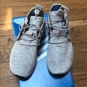 Kids bone color & light gray adidas, size 1 1/2